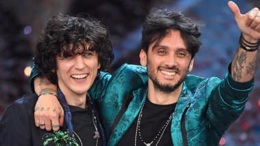 """Sono Ermal Meta e Fabrizio Moro con """"Non mi avete fatto niente"""" i vincitori di Sanremo 2018."""