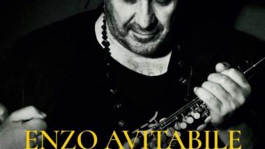 """""""PELLE DIFFERENTE"""" la raccolta antologica di Enzo Avitabile, in uscita a febbraio."""