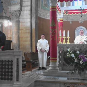 Vangelo Santa Messa Domenica di Pasqua 2020 e Preghiera a Sant'Ambrogio.
